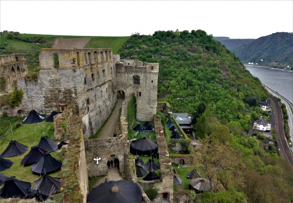 Burg Rheinfels mit Rhein