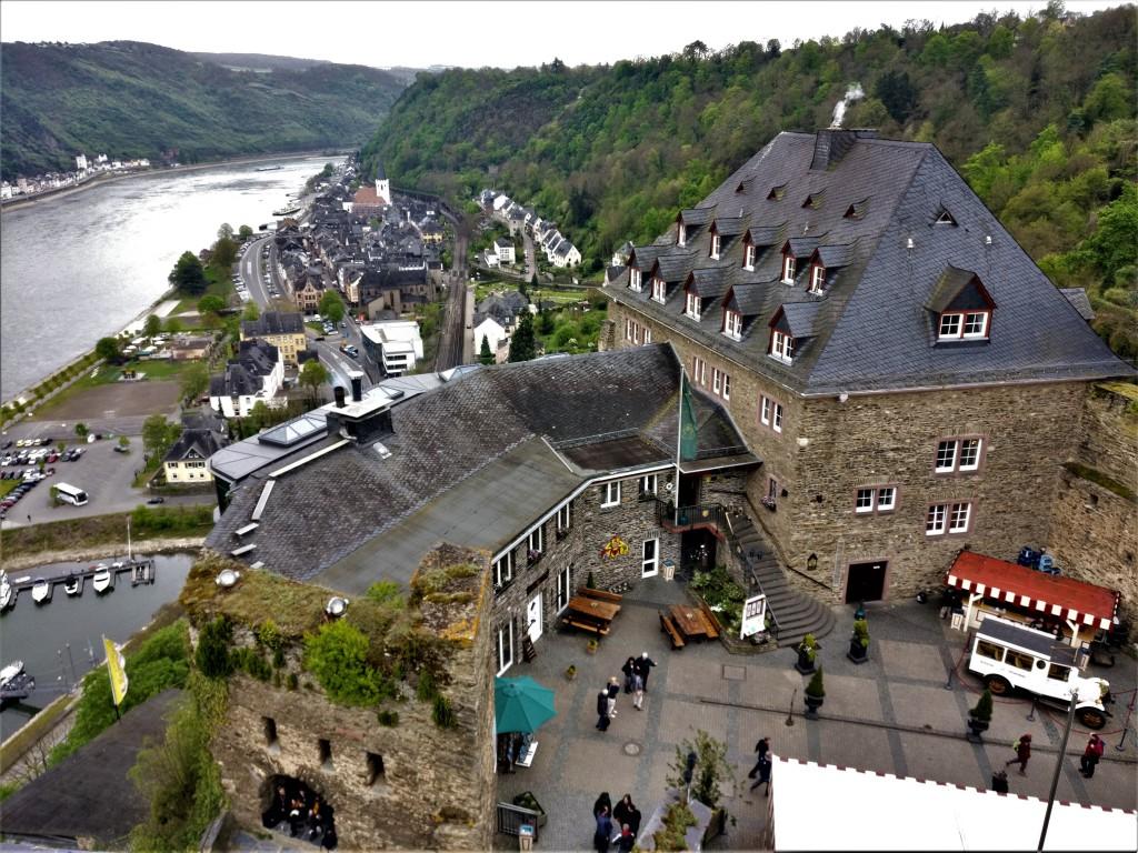 Vorhof Burg Rheinfels
